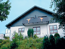 """Haus """"Talblick"""" Schlangenbad"""