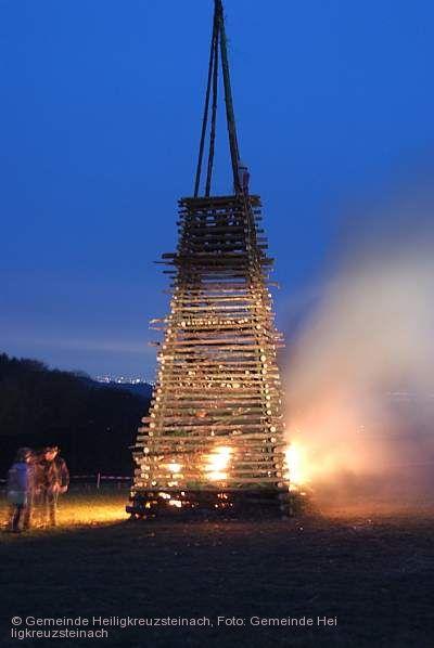 Lärmfeuer in Hilsenhain Heiligkreuzsteinach