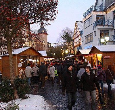 """Schloss-Weihnacht """"Winterzauber"""" Laubach"""